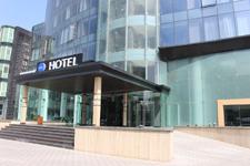 Отель Sky, главный вход