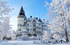 Отель-замок в Иматре, внешний вид зимой