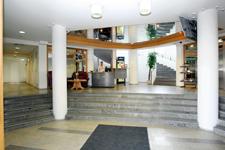 Отель Center Tallin, рецепция в холле