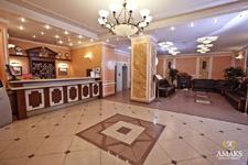 отель Амакс в Перми, рецепция в холле