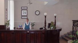 Гостиница Октябрьская, рецепция