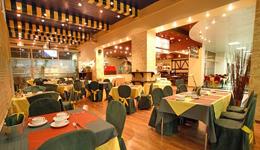 Азимут отель, ресторан