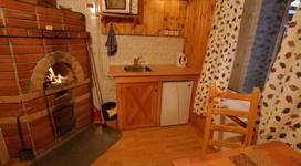 комфортный коттедж на 2 чела, кухня
