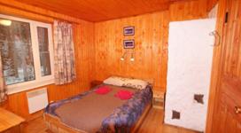 комфортный коттедж на 2 чела, спальня