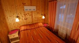 комфортный коттедж на 4 чела, спальня