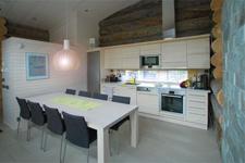 Вилла Naavarinne, кухня столовая