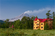 Турбаза Тумроки, вид на вулкан