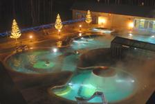 Верхний бор, бассейн ночью