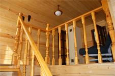 Коттедж №2, лестница на 2 этаж